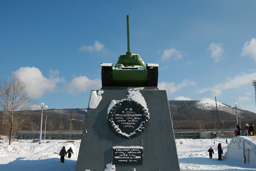 Victory Square at New Year, Yuzhno-Sakhalinsk